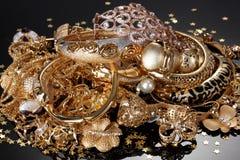 Piękna złota biżuteria obrazy royalty free