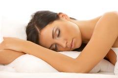 piękna z włosami łóżkowy czarny Obrazy Royalty Free