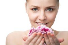 piękna zakończenia twarzy kwiat w górę kobiety fotografia royalty free