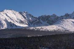 Piękna zimy sceneria Wysokie Tatrzańskie góry Obraz Stock