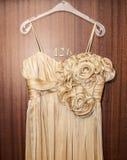 Piękna zobowiązanie suknia zdjęcia royalty free