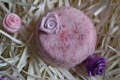 Piękne barwić soli bomby używać dla skąpań fotografia royalty free