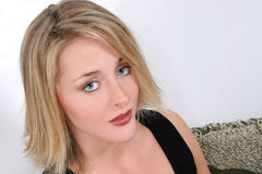 piękne blondynek niebieskie oczy starych jednego 20 lat Obrazy Stock