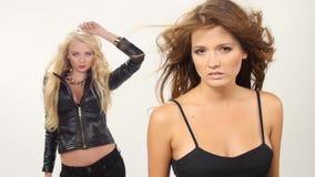 Piękne blondynki i brunetki seksowne młode kobiety zbiory