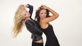 Piękne blondynki i brunetki seksowne młode kobiety zbiory wideo
