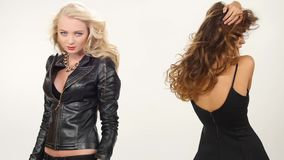 Piękne blondynki i brunetki seksowne młode kobiety zdjęcie wideo