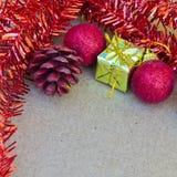 Piękne Bożenarodzeniowe dekoracje i szczęśliwy nowy rok Obrazy Stock