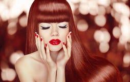 piękne długie włosy moda portret kobiety makeup M fotografia royalty free
