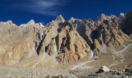 Piękne góry blisko Pasu w Północnym Pakistan Obrazy Stock