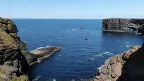 Piękne Kilkee falezy przy zachodnim wybrzeżem Irlandia zbiory