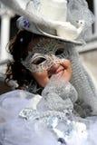 Piękne kobiety z biel maską w Wenecja, Włochy 2015 Fotografia Royalty Free