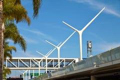 Piękne kolumny przy NIEDBAŁYM lotniskowym Los Angeles Fotografia Stock