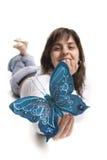 piękne niebieskie motyla kobiety młode gospodarstwa Obraz Stock