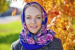 piękne oczy blondynek skupiają się portret kobiety miękkich young Zdjęcie Royalty Free