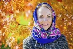 piękne oczy blondynek skupiają się portret kobiety miękkich young Zdjęcie Stock