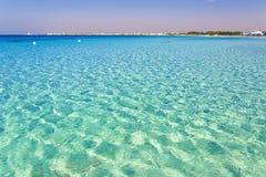 Piękne piaskowate plaże Apulia: Porto Cesareo żołnierz piechoty morskiej, Salento coastITALY (Lecka) zdjęcie stock