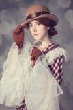 Piękne rudzielec kobiety z powiększać - szkło. Zdjęcia Royalty Free