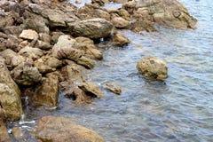 Piękne skały na linii brzegowej zdjęcia stock