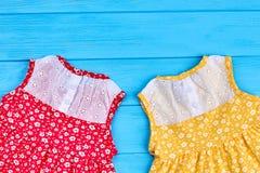 Piękne suknie dla dziecięcych dziewczyn Zdjęcie Royalty Free