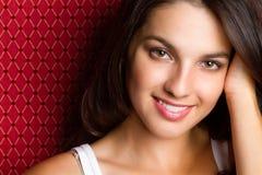 piękne uśmiechnięci młodych kobiet zdjęcie stock