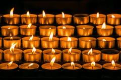 Piękne wotywne świeczki Obrazy Stock