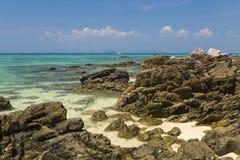 piękne wysp brytyjskich wysp raju piasku palm piaskowatych kawałki drzewa w kolorze turkusowym dziewica white wody Bambusowy wysp Zdjęcie Stock