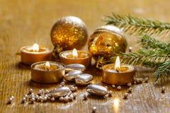 Piękne złote świeczki Zdjęcia Stock