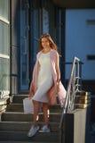 pięknego dziewczyna torby na zakupy Pojęcie kobieta zakupy Obraz Stock
