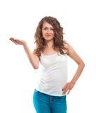 Pięknego kobieta seansu otwarta ręka Zdjęcie Stock