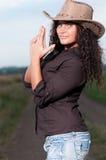 pięknego kowboja śródpolna target1523_0_ kobieta Fotografia Royalty Free