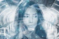 Pięknego młoda kobieta portreta dwoisty ujawnienie zdjęcie stock