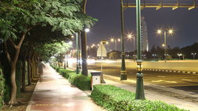 Pięknego nocy światła ulicy 4k czasu upływu Dubai chodzący miasto zdjęcie wideo