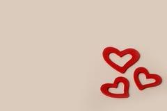 Pięknego rocznika miłości Drewniani Czerwoni serca dla ślubów lub valentines Fotografia Stock