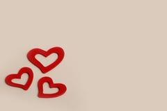Pięknego rocznika miłości Drewniani Czerwoni serca dla ślubów lub valentines Zdjęcie Stock
