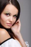 pięknej brunetki uśmiechnięta kobieta Zdjęcia Stock