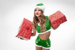 pięknej Claus odzieżowej dziewczyny Santa seksowny target1055_0_ zdjęcie royalty free