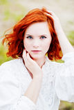 pięknej dziewczyny włosiani czerwoni potomstwa Zdjęcia Royalty Free