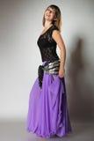 Pięknej egzotycznej brzucha tancerza kobiety dancingowa dziewczyna fotografia royalty free