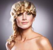 pięknej fryzury elegancka kobieta obraz stock