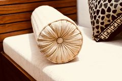 Pięknej kanapy poduszki przedmiota wewnętrzna fotografia Zdjęcia Royalty Free