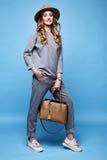 Pięknej kobiety splendoru mody stylu odzieży seksowni ubrania przypadkowy s Zdjęcia Stock