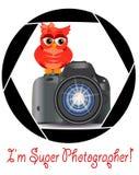 Pięknej kreskówki czerwona sowa siedzi na guzika początku kamerę w ramie kamery apertura Pojęcie fotografia, ilustracji