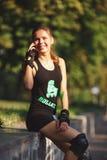 Pięknej młodej dziewczyny sportowy pojawienie Fotografia Royalty Free