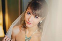 Pięknej młodej panny młodej ślubny portret obrazy stock