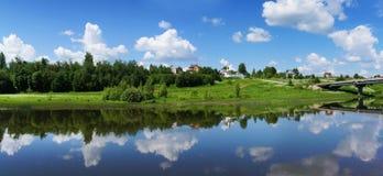 pięknej natury panoramiczna sceneria Małe rzeki Rosja Zdjęcia Stock