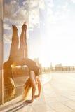 Pięknej seksownej blondynki młodej kobiety budowy ciała nikły sportowy Obraz Royalty Free