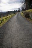Pięknej wsi pusta mała droga w baskijskim kraju Zdjęcie Royalty Free