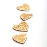 Piękni Ślubni boże narodzenia lub valentines zaświecają z perłami i roczników nieociosanymi drewnianymi sercami Zdjęcie Royalty Free