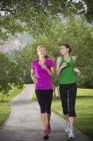 piękni żeńscy biegacze Fotografia Stock