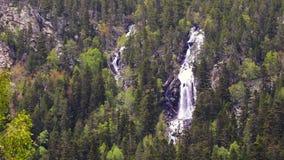 Piękni Aigà ¼ estortes ja Estany De Sant Maurici park narodowy Hiszpańscy Pyrenees w Catalonia zbiory wideo